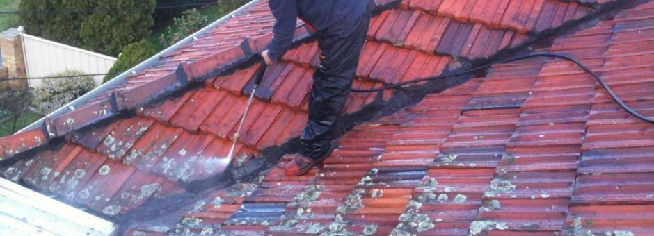 cleaning roof tiles in adelaide