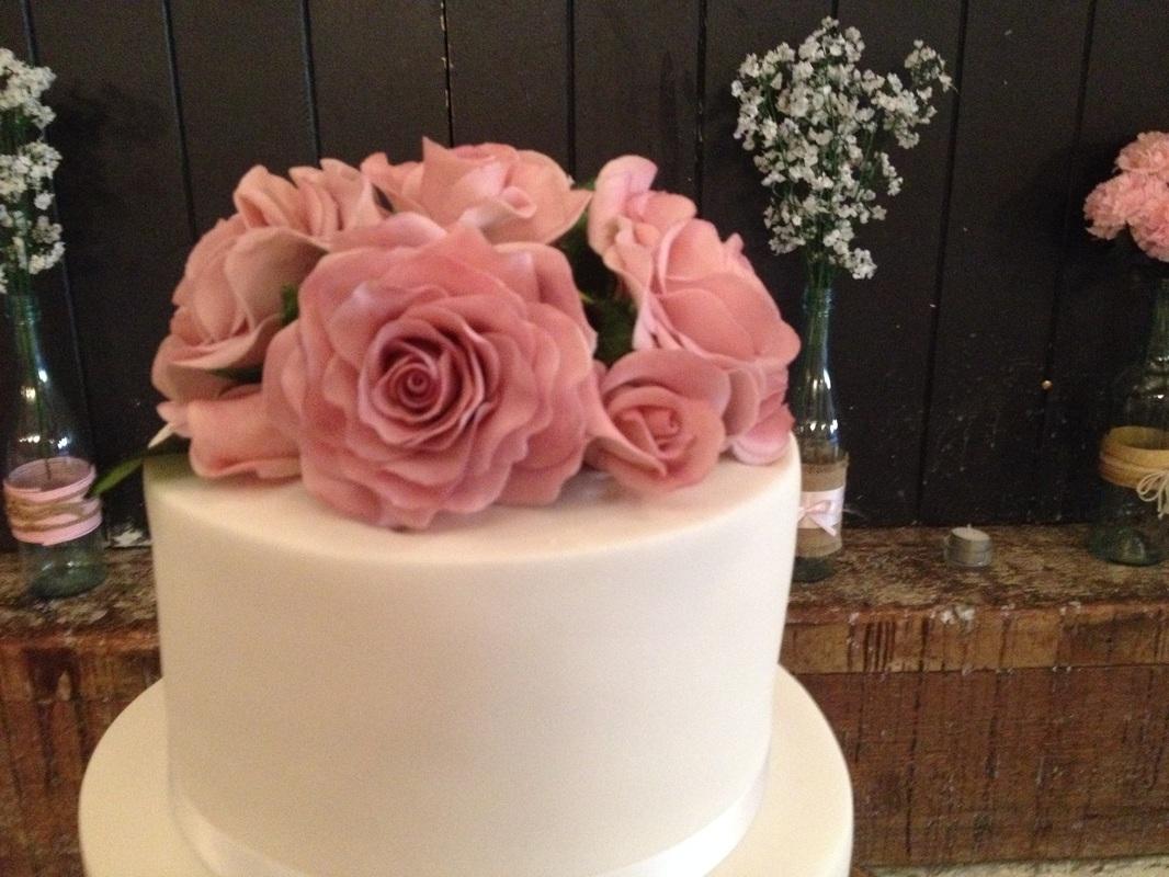 Cake Maker Goodwood |Custom Designs - METRO DESIGNER CAKES